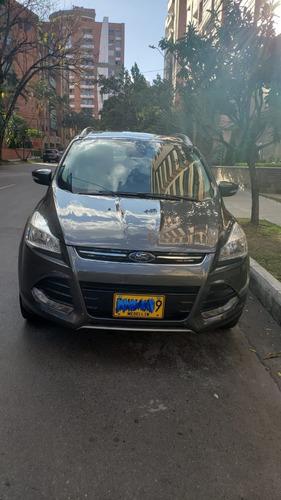 ford escape titanium motor 2.000 4x4 2016 gris 5 puertas