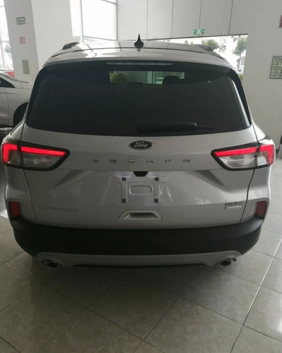 ford escape titanium plata 2020