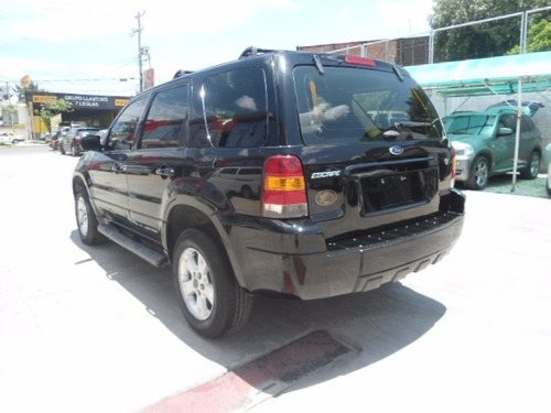 ford escape xls 2007 negra
