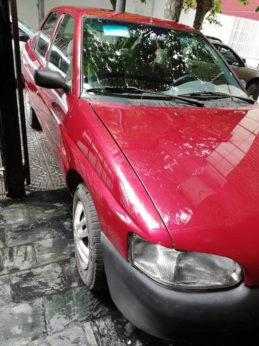 ford escord 2000
