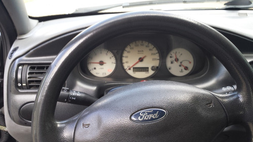 ford escort 1.8 gl 5p hatch 2002