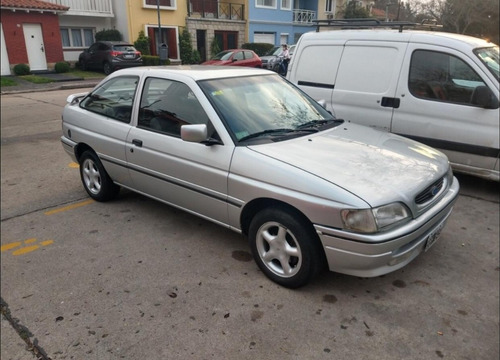 ford escort 1.8 glxi