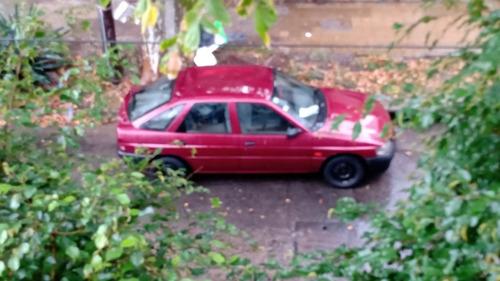 ford escort 1.8 lx aa plus 2000