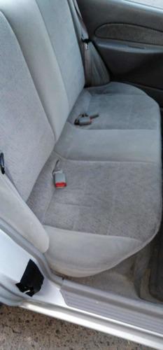 ford escort 2.0 estandar