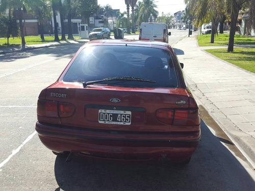 ford escort 2000