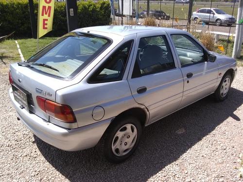 ford escort full 1999