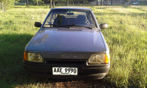 ford escort gl 1,6 ideal para las 19 capitales
