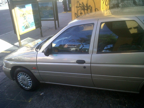 ford escort impecable