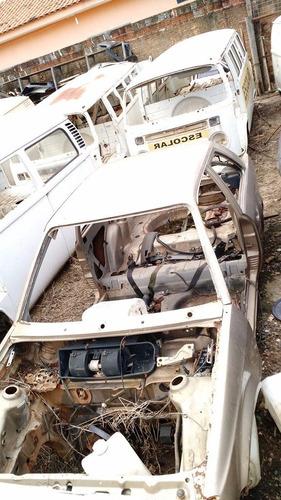 ford escorte sucata bege 1992  carcaça gaiola