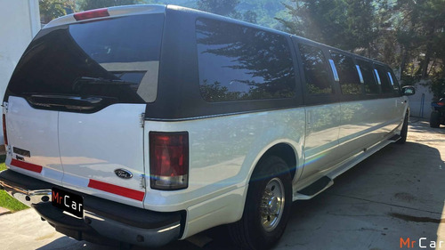 ford excursion limusina 2005