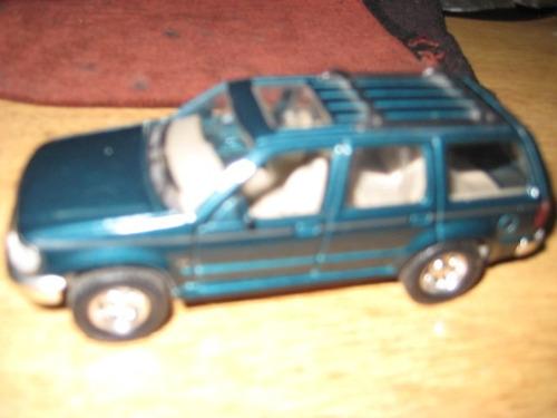 ford explorer  - 12 cm - metal - auto die cast