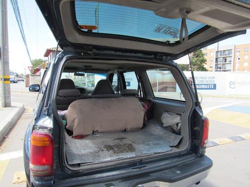 ford explorer 4.0 xlt 205 hp sohc