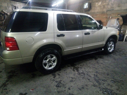 ford explorer 4.6 eddie bauer v8 4x2 mt 292 hp 2004