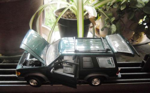 ford explorer coupe escala 1/24 marca redbox