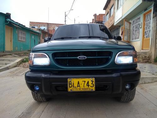 ford explorer, motor 4.0, modelo 2000, verde alamo 3 puertas