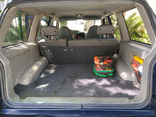 ford explorer recién pintada, caja recién reparada, motor re