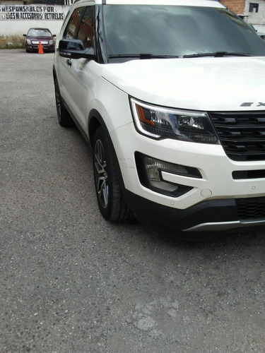 ford explorer sport 2018 .negociable