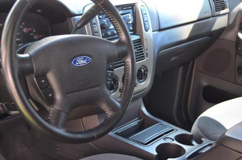 ford explorer xlt automatica