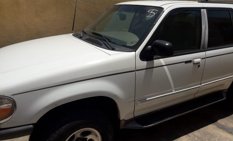 ford explorer  xlt  tela