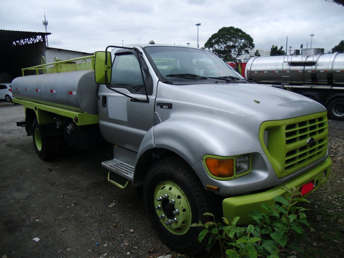 ford f 12000 / 2002 tanque