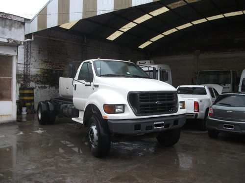 ford f-14000 chasis mediano año 2005