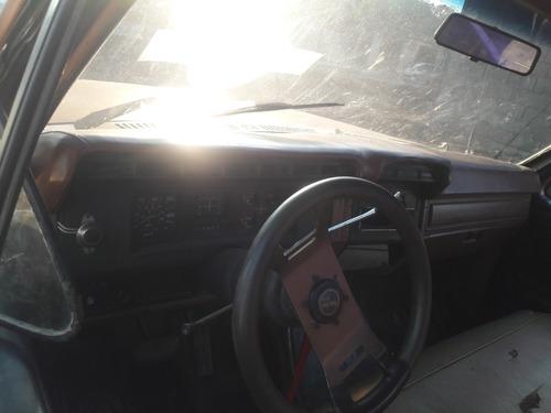 ford f-150  ano 1981 vendo por viaje