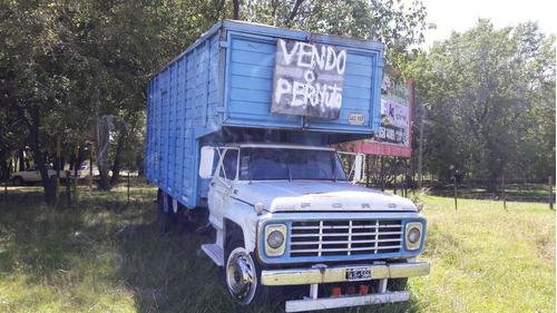 ford f-7000 vendo o permuto escucho oferta !