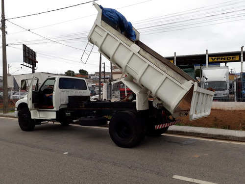 ford f12000 caminhão