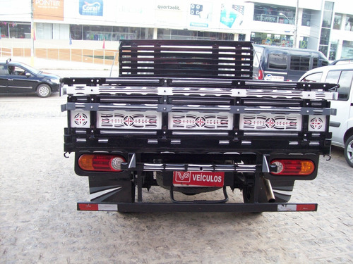 ford f4000 g  2002.