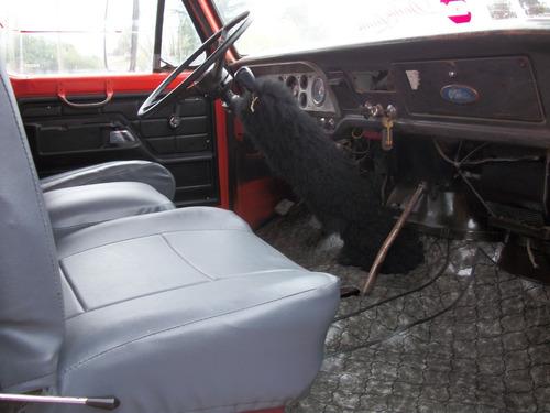 ford f7000 d/h 80 carnicero/frio motor 1114  muy bueno .