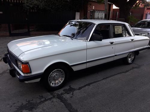 ford falcon/ 82