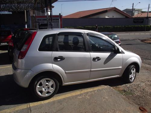 ford fiesta 1.0 8v 2003 lindo novo com direção hidráulica
