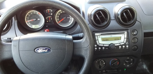 ford fiesta 1.6 4p one max ambiente plus 2012