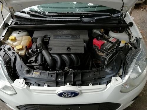 ford fiesta 1.6 fiesta hatchback mt 2015