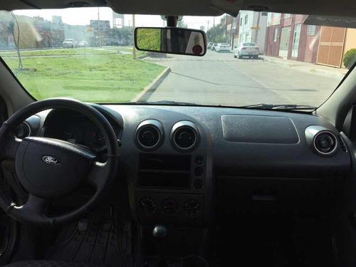 ford fiesta 1.6 first 5vel aa sedan mt 2005