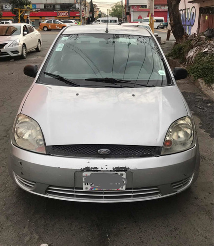 ford fiesta 1.6 first 5vel sedan mt 2005