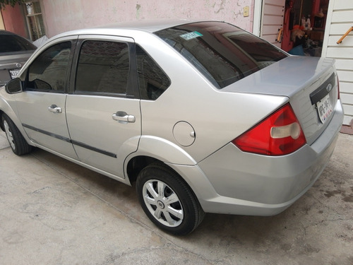 ford fiesta 1.6 first 5vel sedan mt 2005