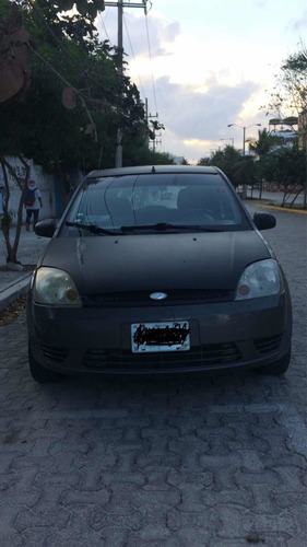 ford fiesta 1.6 first hatchback mt 2004