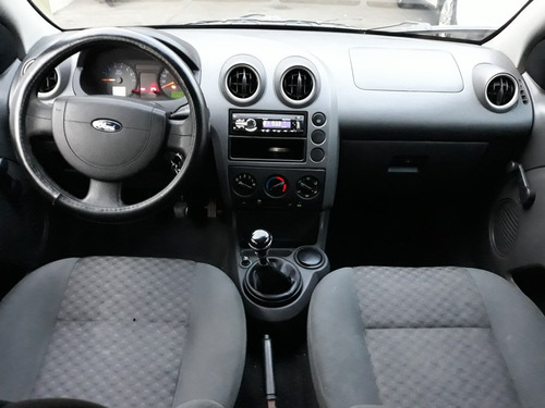 ford fiesta 1.6 hb first 5vel mt 2006