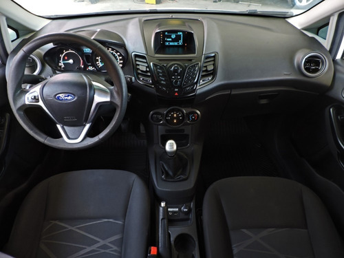 ford fiesta 1.6 l s plus 2015