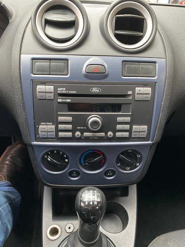 ford fiesta 1.6 se hb at 2013