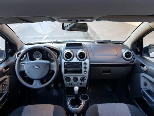 ford fiesta 1.6 sedan - completo