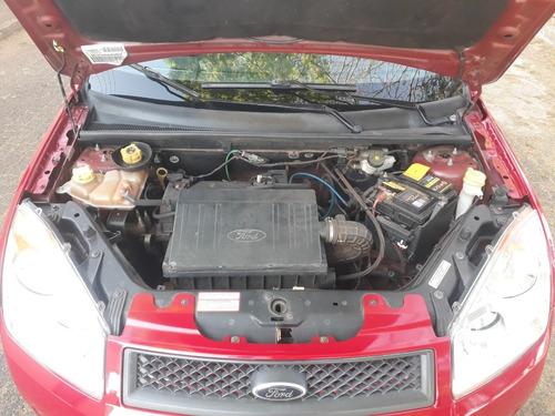 ford fiesta 2010 básico vermelho