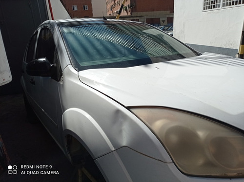 ford fiesta 2010 blanco