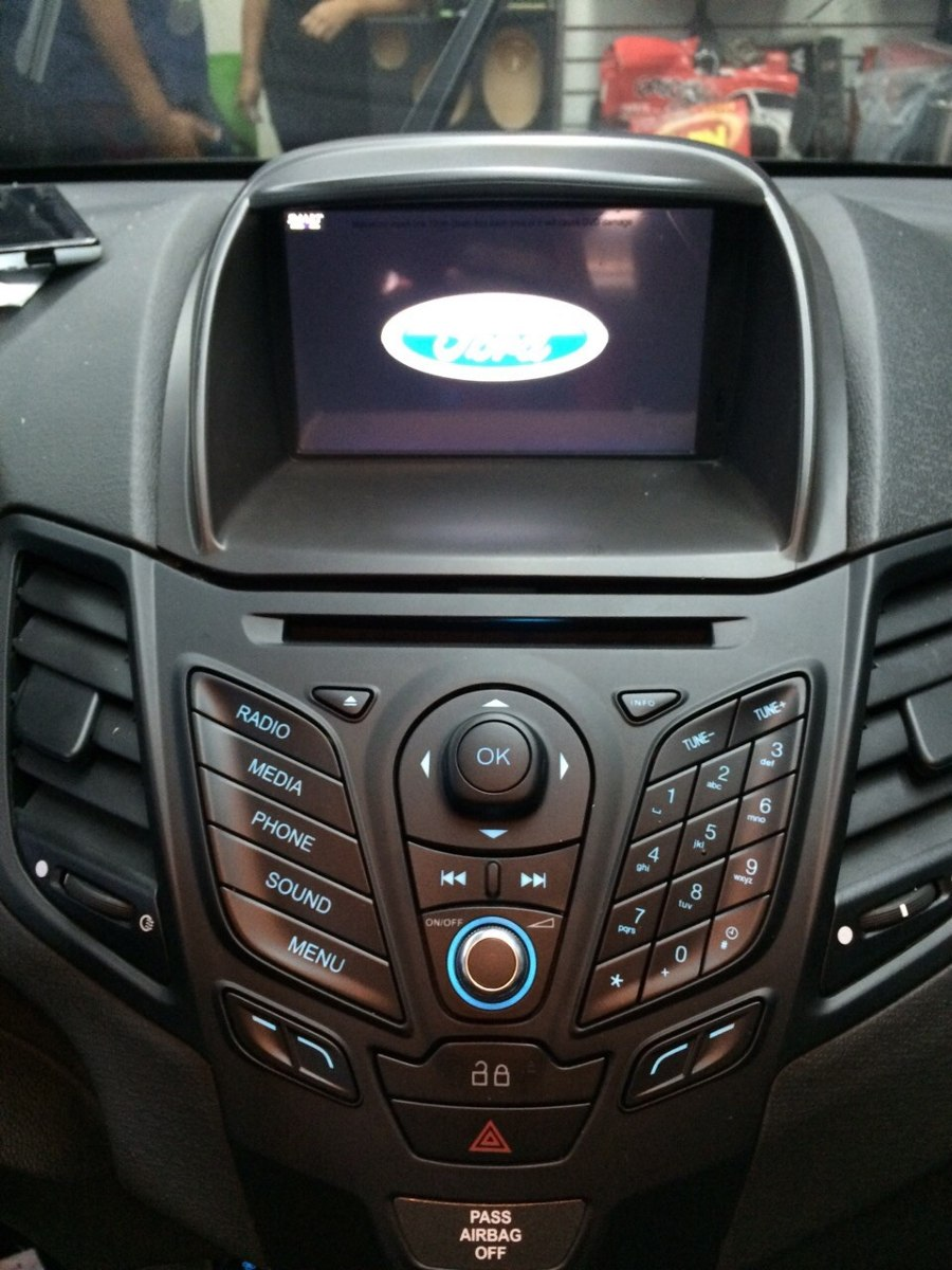ford fiesta 2014 2015 se dvd gps entrega inmediata en mercado libre. Black Bedroom Furniture Sets. Home Design Ideas