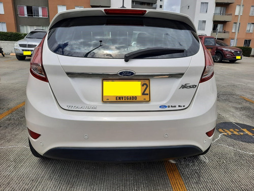 ford fiesta 2016 blanco