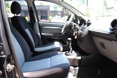 ford fiesta ambiente 1.6 mp3