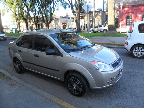 ford fiesta ambiente max 1.4 4p.