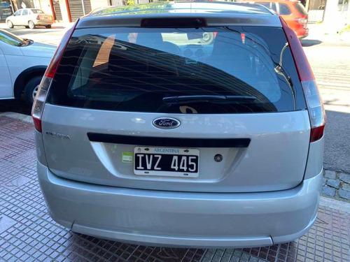 ford fiesta ambiente mp3 5 puertas año 2010 auto classic