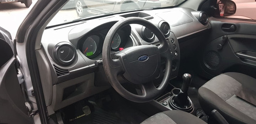 ford fiesta ambiente mp3